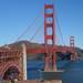サンフランシスコでゴールデンゲートブリッジをサイクリング