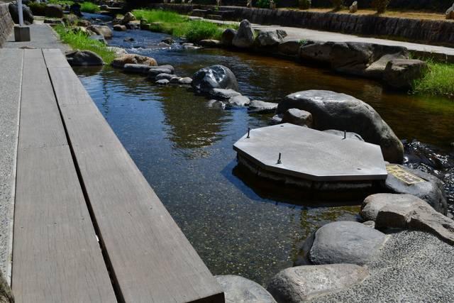 玉湯川の足湯